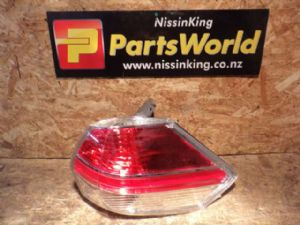 Nissan Xtrail T32 4WD 2014-2016 R Tail Light