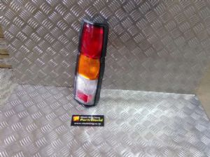 Nissan Navara D21 4WD 1992-1997 R Tail Light