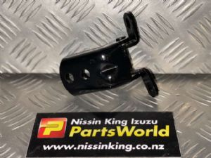 Nissan Navara D40 VSK 4WD 2006-04/2010 RF Door Bottom Hinge