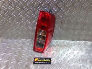 Nissan Navara D40 MNT 4WD 2010-2015 R Tail Light