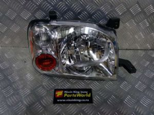 Nissan Navara D22 2008-2015 R Headlight