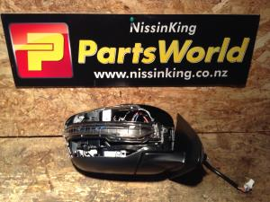 Nissan Navara D23 MNT 4WD 08/2015-2019 RF Door Elec Mirror