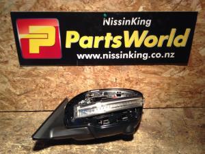 Nissan Xtrail T32 4WD 2014-2020 LF Door Elec Mirror