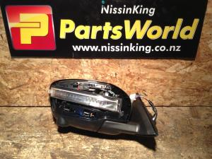 Nissan Xtrail T32 4WD 2014-2020 RF Door Elec Mirror