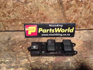 Nissan Navara D40 VSK 4WD 2006-04/2010 Window Master Switch