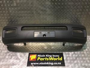 Nissan Caravan Homy E25 4WD 2001-2006 Front Bumper Cover
