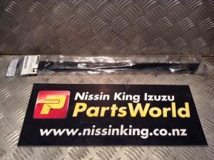 Nissan Navara D21 1987-1991 LR Door Weather Strip Mould