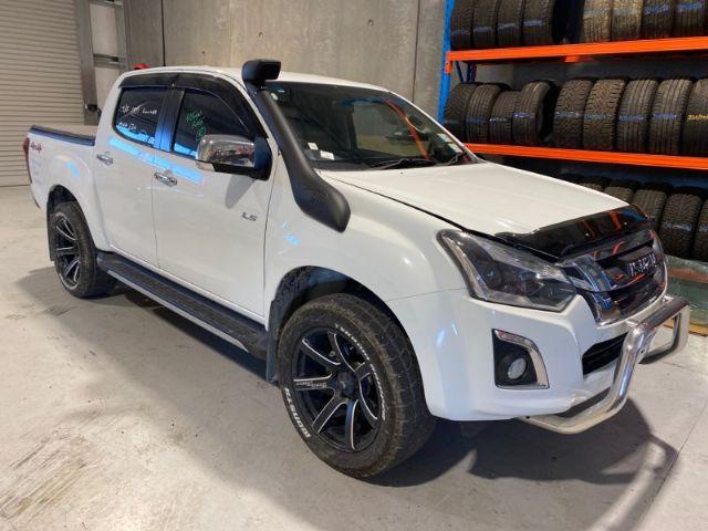 Isuzu D Max TFS85 4WD 2017-->
