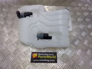 Nissan Qashqai J10 02/07-06/09 Front Washer Bottle