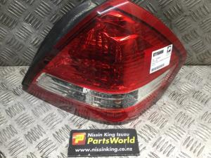 Nissan Tiida C11 2004-2007 R Tail Light
